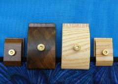 Wooden Hang-Ups� quilt clips in regular and mini sizes
